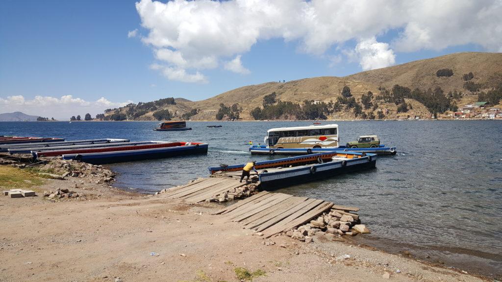 bus sur lac titicaca