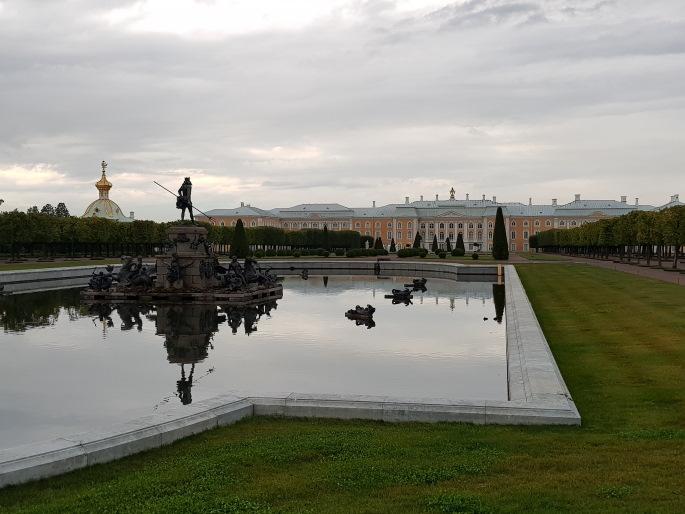 fontaine neptune peterhof