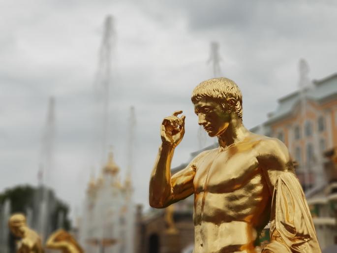 statue grande cascade peterhof
