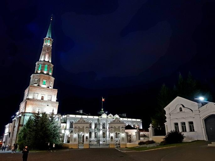 Tour soeymbika kremlin kazan